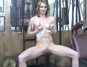 helping her run her wet pussy
