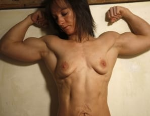 Combine that with Vicky's big biceps and powerful shoulder