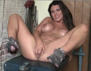 Leena says, as she masturbates in the gym, spreads her muscular legs
