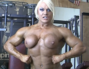 Lisa Cross spends a lot of time in the gym. Unlike a lot of others, however, she likes to workout complete naked
