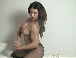 Leena nude female bodybuilder