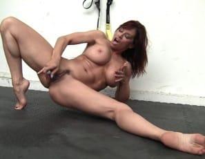 masturbation with bare feet