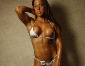 Rachel nude female bodybuilder